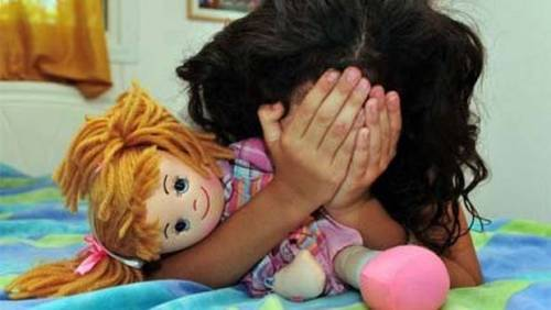 Illustratie verkracht meisje