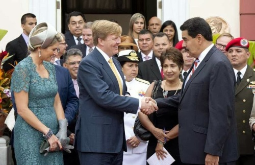 WA en Máxima bij Maduro